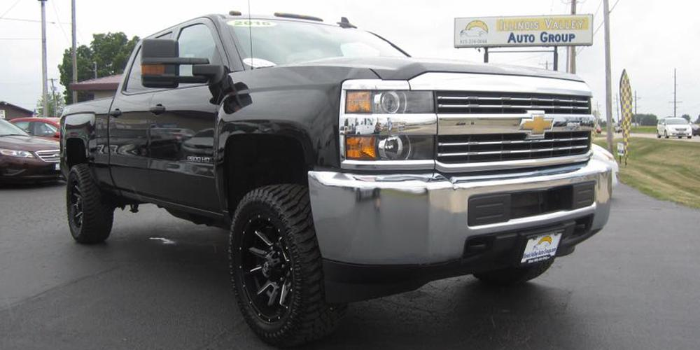 Chevrolet Silverado 2500 HD with Vision Off Road 415 Bomb