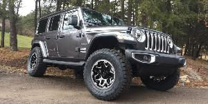Jeep Wrangler with Vision Off Road 416 Se7en
