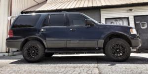 Ford Expedition with Vision Off Road 412 Rocker