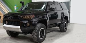 Toyota 4Runner with Vision Off Road 398 Manx