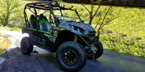 Kawasaki Teryx4LE with Vision ATV 356BL Manx 2 Beadlock