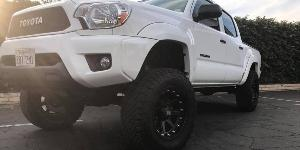 Toyota Tacoma with XD Series by KMC XD798 Addict