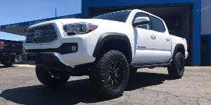 Toyota Tacoma with Fuel 1-Piece Wheels Maverick - D610