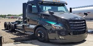 Freightliner Cascadia with ATX Series AO400HD Baja - Heavy Duty