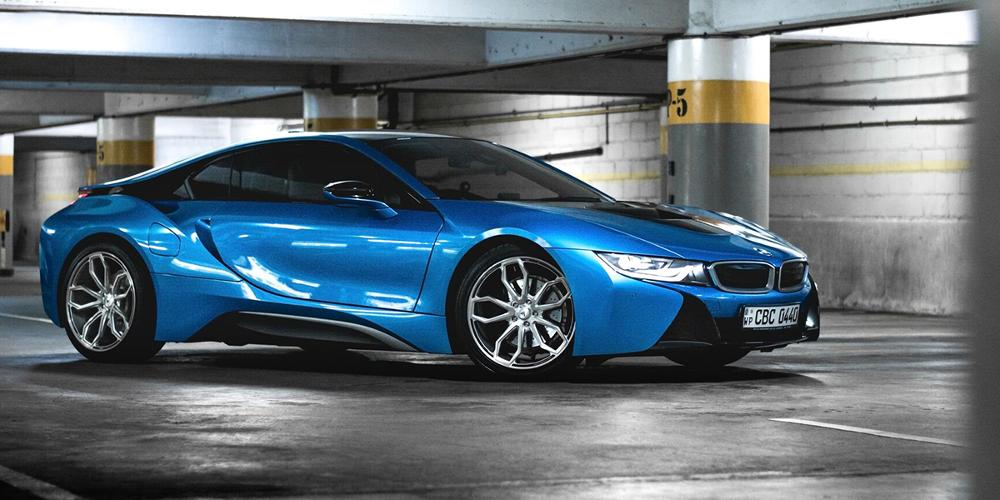 BMW i8 with Asanti Black Label ABL-19 Athena