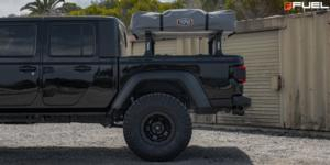 Jeep Gladiator with Fuel 1-Piece Wheels Warp Beadlock - D118