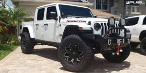 Jeep Gladiator with Fuel 1-Piece Wheels Assault - D546