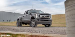 Ford F-350 Super Duty with Fuel Dually Wheels Blitz Dually Front - D693