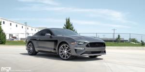 Ford Mustang with Niche Sport Series Gemello - M220