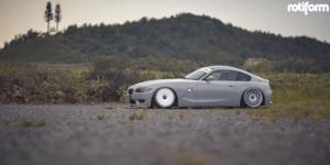BMW Z4 with Rotiform LAS-R