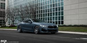 BMW 850i with Niche Sport Series Carina - M241