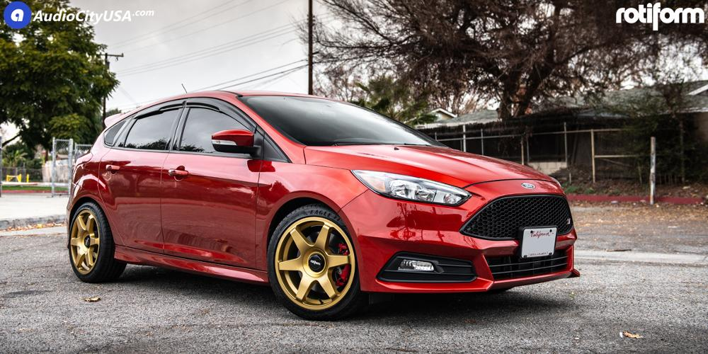 Ford Focus with Rotiform SIX