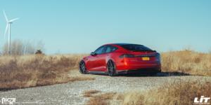 Tesla S with Niche Sport Series Staccato - M182