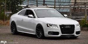 Audi S5 with Niche Sport Series Targa - M129