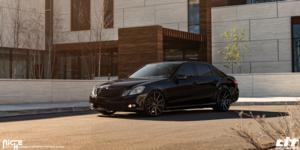Mercedes-Benz E350 with Niche Sport Series Tifosi - M243