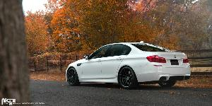 BMW M5 with Niche Sport Series Vosso - M203