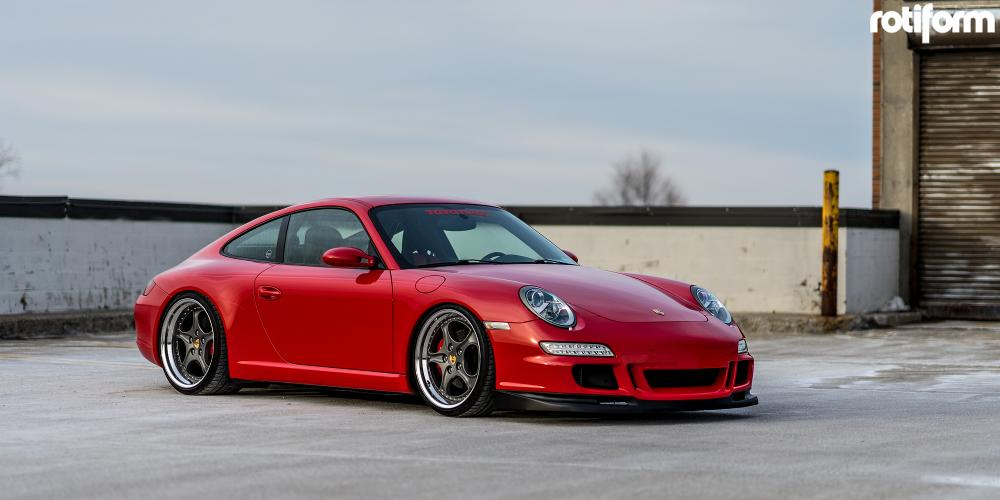 Porsche 997 with Rotiform KLU