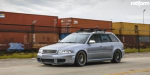 Audi RS4 with Rotiform OZR
