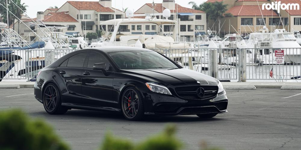 Mercedes-Benz CLS63 AMG with Rotiform SFO