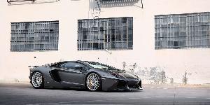 Lamborghini Aventador with Rotiform LAS-R