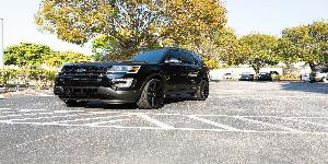 Ford Explorer with Status Wheels S838 Journey
