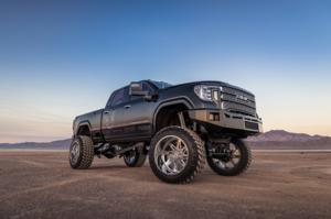 GMC Denali HD with Hostile HF07 TOMAHAWK