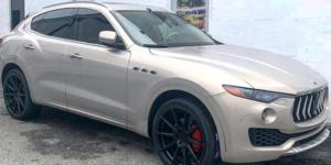 Maserati Levante with Verde Wheels V20 Insignia