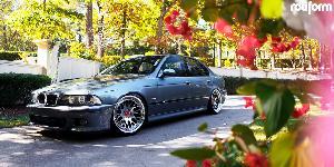 BMW M5 with Rotiform LVS